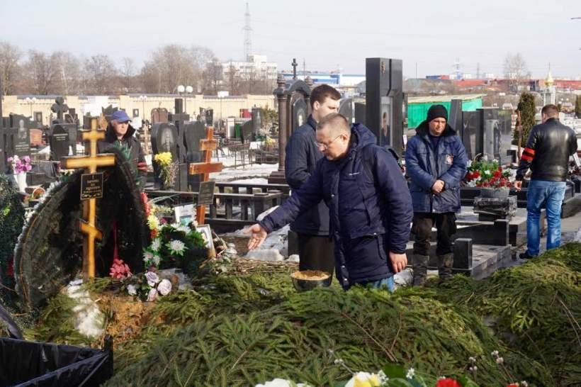 Kurochkin_Ugarov_funeral
